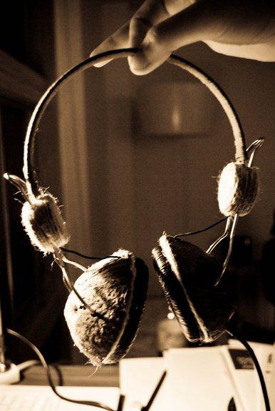 Самые пятничные наушники из кокоса