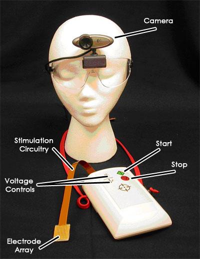 BrainPort возвращает слепым зрение через язык
