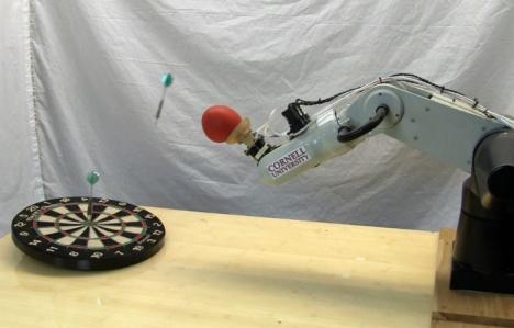 Инженеры научили робототехнический захват бросать предметы