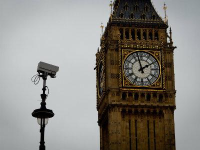 Правоохранители просматривают конфиденциальные данные британцев «каждые две минуты»